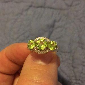 Jewelry - Peridot Ring w/White Topaz accent stones.